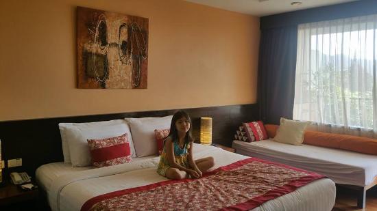 Aonang Cliff Beach Resort: Family suite