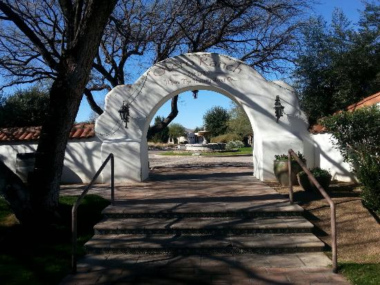 Tubac, AZ: Beautiful old ranch!