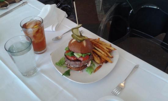 Belhaven, Carolina del Norte: Grassfed Burger