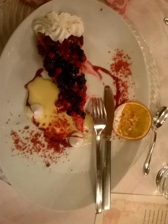 Relais Hotel Des Alpes: torta frutti di bosco
