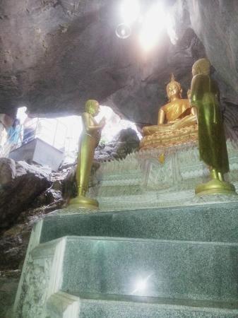 Khao Yoi, Tailandia: ไหว้พระอิ่มบุญ