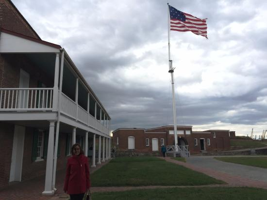 Fort McHenry National Monument: Fort Square