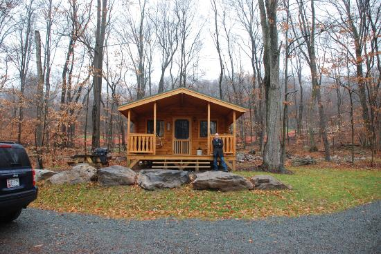 Blakeslee, Πενσυλβάνια: The cabin in the dead of winter of 2015 - no snow!