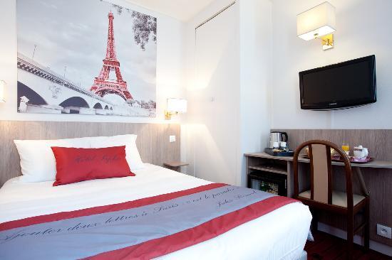 Saphir Grenelle Hotel: CHAMBRE DOUBLE TOUR EIFFEL