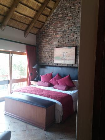 Dinkweng Safari Camp: bedroom