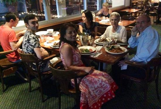 Waitara, Australia: Birthday dinner