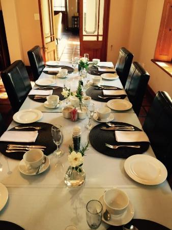 De Hoek Manor: Table set for breakfast