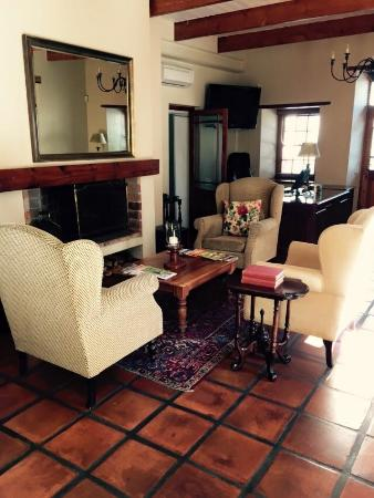De Hoek Manor: Reception area - antique furniture and lovely decor