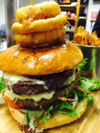 The Castle Bar Hotel: Homemade Burger & Chips