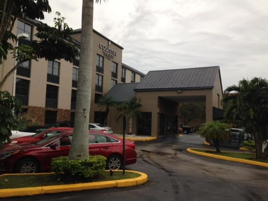 Country Inn & Suites By Carlson, Miami (Kendall): Frente do Hotel