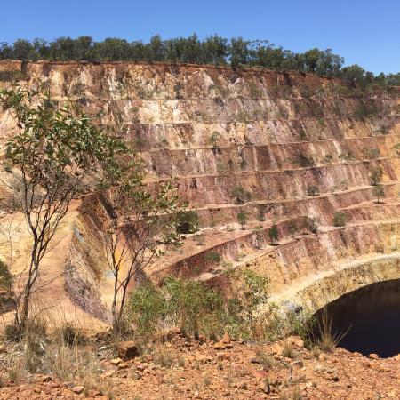 Peak Hill, Australia: View of open cut mine
