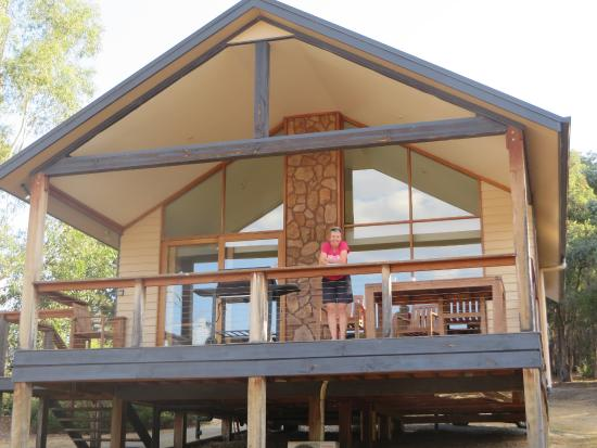 Yering Gorge Cottages: Great cottage and balcony for dining