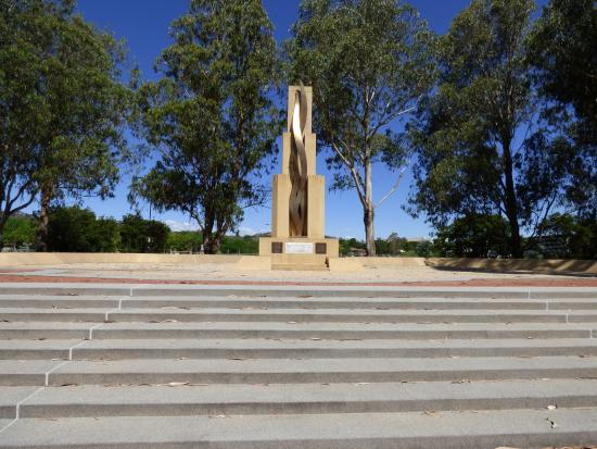 Rats of Tobruk Memorial: Memorial