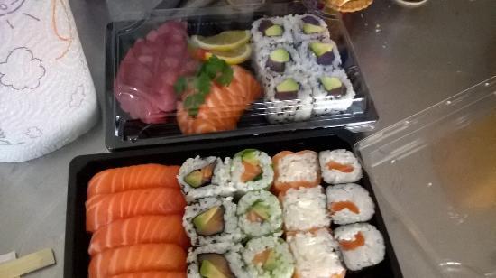 Chateau-Gontier, Frankrijk: maki sashimi sushi