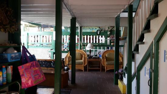 Pineapple Park - Kona: Vorraum der Küche