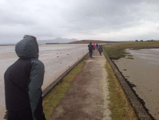 Mulranny Park Hotel: causeway in front of hotel