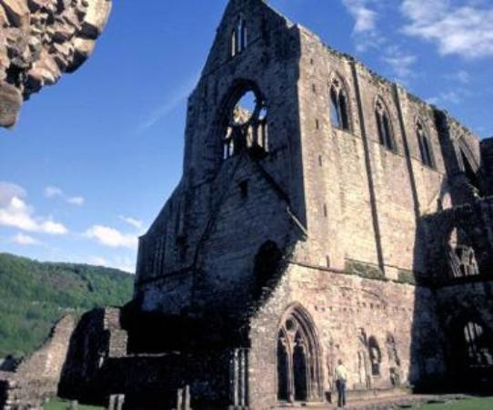 Pandy, UK: Tintern Abbey, Chepstow