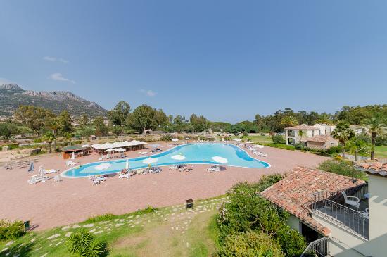 Tancau Village Beach & Resort: La piscina