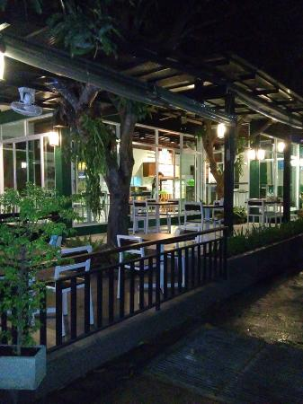 The Tree Cafe & Bistro