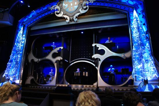 Showboat Branson Belle: The show stage
