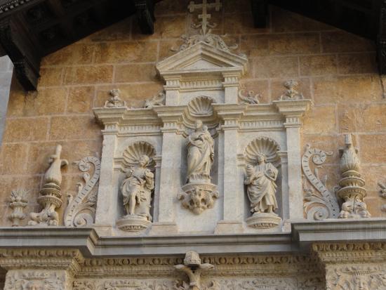 Exteriores de la Capilla Real de Granada - Picture of ...