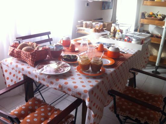 B&B Casa Angela: Breakfast Time