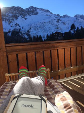 Hotel Alpensonne: Relaxing on the balcony