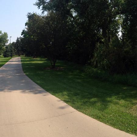 Cherry Creek Trail: Sunny Stroll on the Cherry Creek Bike Path