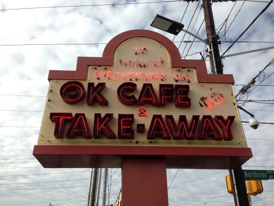 Marietta, Georgien: OK Cafe Sign on the Corner