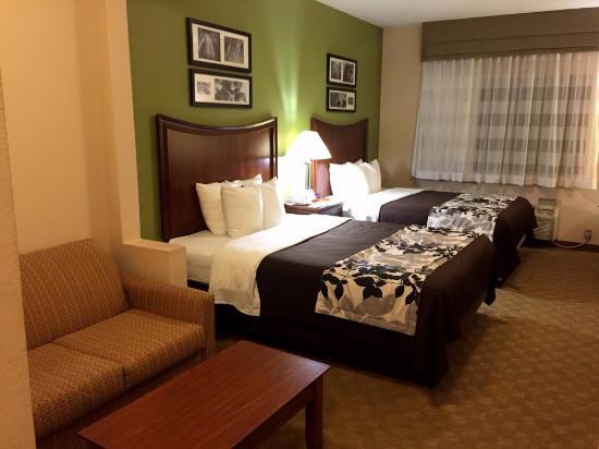 Sleep Inn and Suites: 2 Queen Bed Room