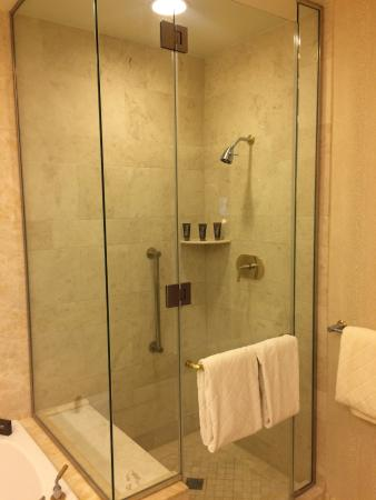 Deluxe Resort King 14th Floor Bathroom Picture Of Wynn