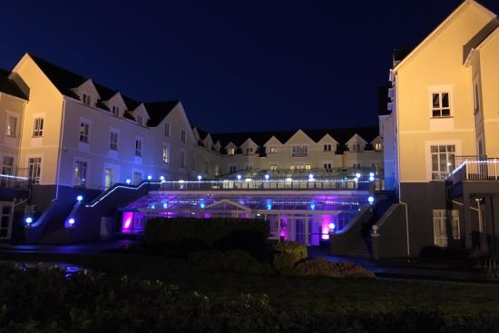 Galway Bay Hotel: L'hôtel by Night