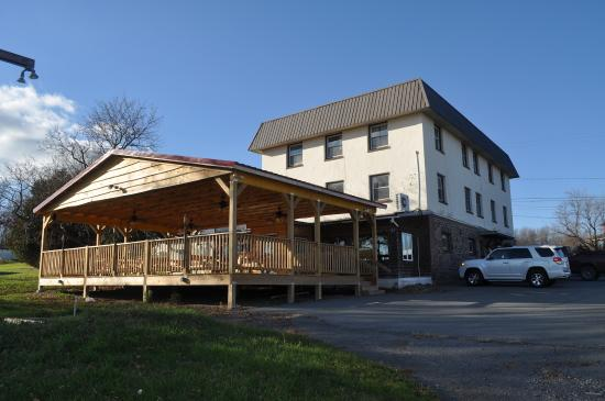 The Lakewood Lodge & Restaurant