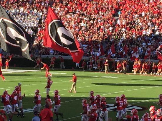 Athens, Джорджия: Sanford Stadium Georgia Flags
