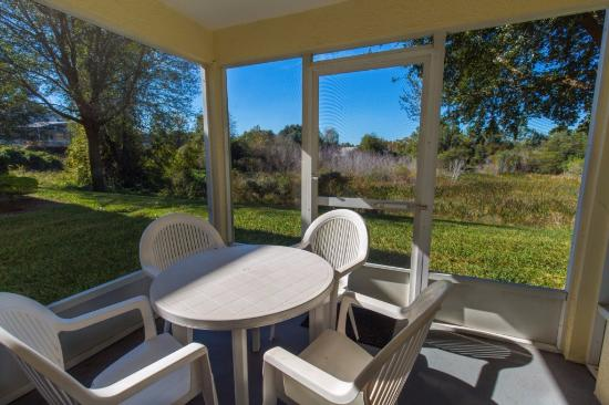 Grand Palms: screened porch