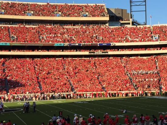 Athens, Джорджия: Sanford Stadium Red Out