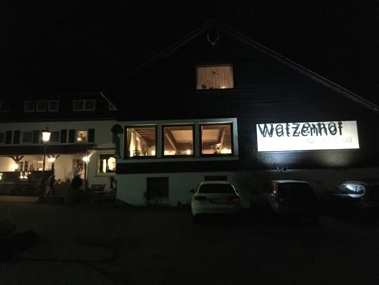 Hemsbach, Alemania: Außenansicht bei Abend