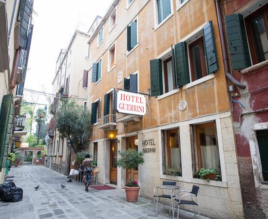 hotel guerrini bewertungen fotos preisvergleich venedig italien. Black Bedroom Furniture Sets. Home Design Ideas