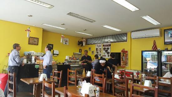 Dguste Cafe E Salada