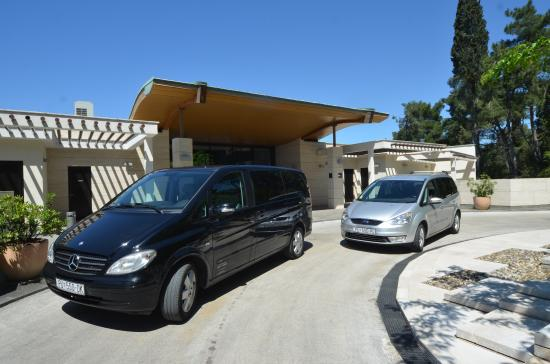 Tony Travel Taxi and Airport Transfers