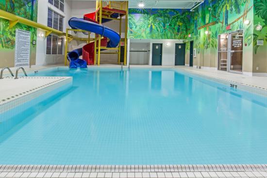 Indoor Pool & Waterslide - Super 8 Grande Prairie