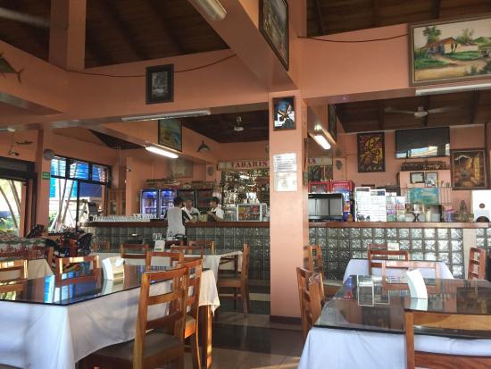 Restaurant Tabaris: Vista del mostrador