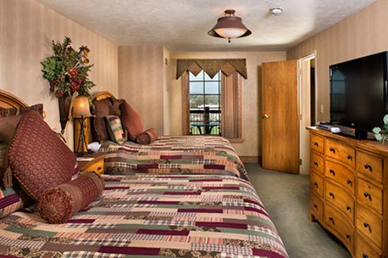 The Keeter Center at College of the Ozarks - Lodging: SkyView Suite