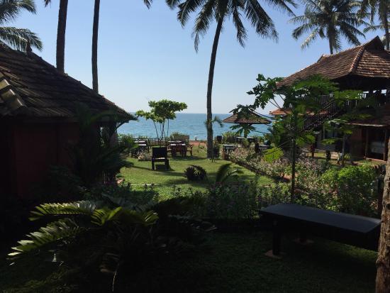 Blue Water Beach Resort: photo1.jpg