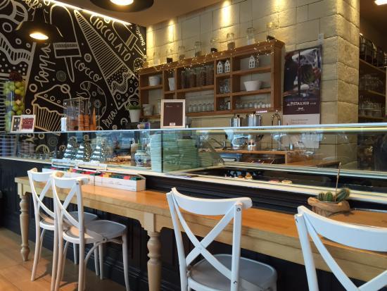 Sala colazioni supermarket e bagno picture of bindi for Arredo bagno san giuliano milanese