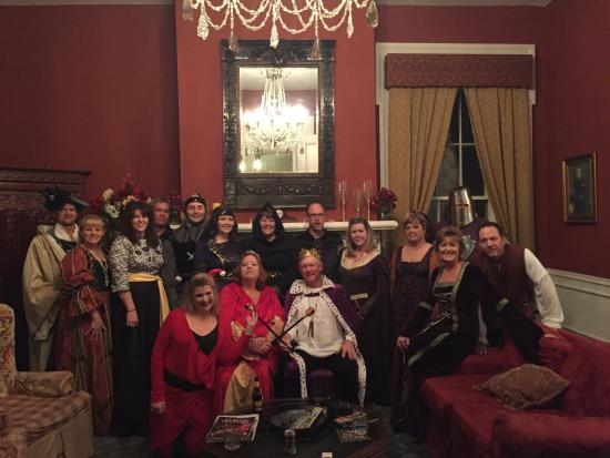 Springfield, KY: Murder Mystery at Maple Hill Manor