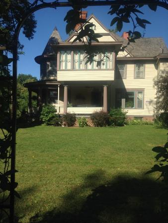 Seward, NE: getlstd_property_photo