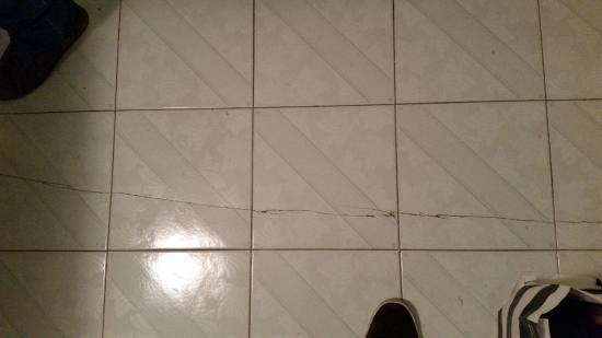 Piastrelle per pavimenti esterni profilo laterale sistema a