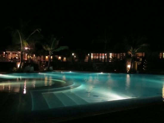 Pool - LUX* Grand Gaube Photo
