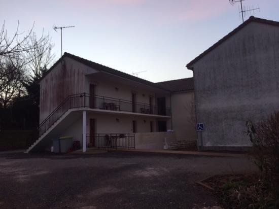 Lussac les Chateaux, Fransa: De zijkant